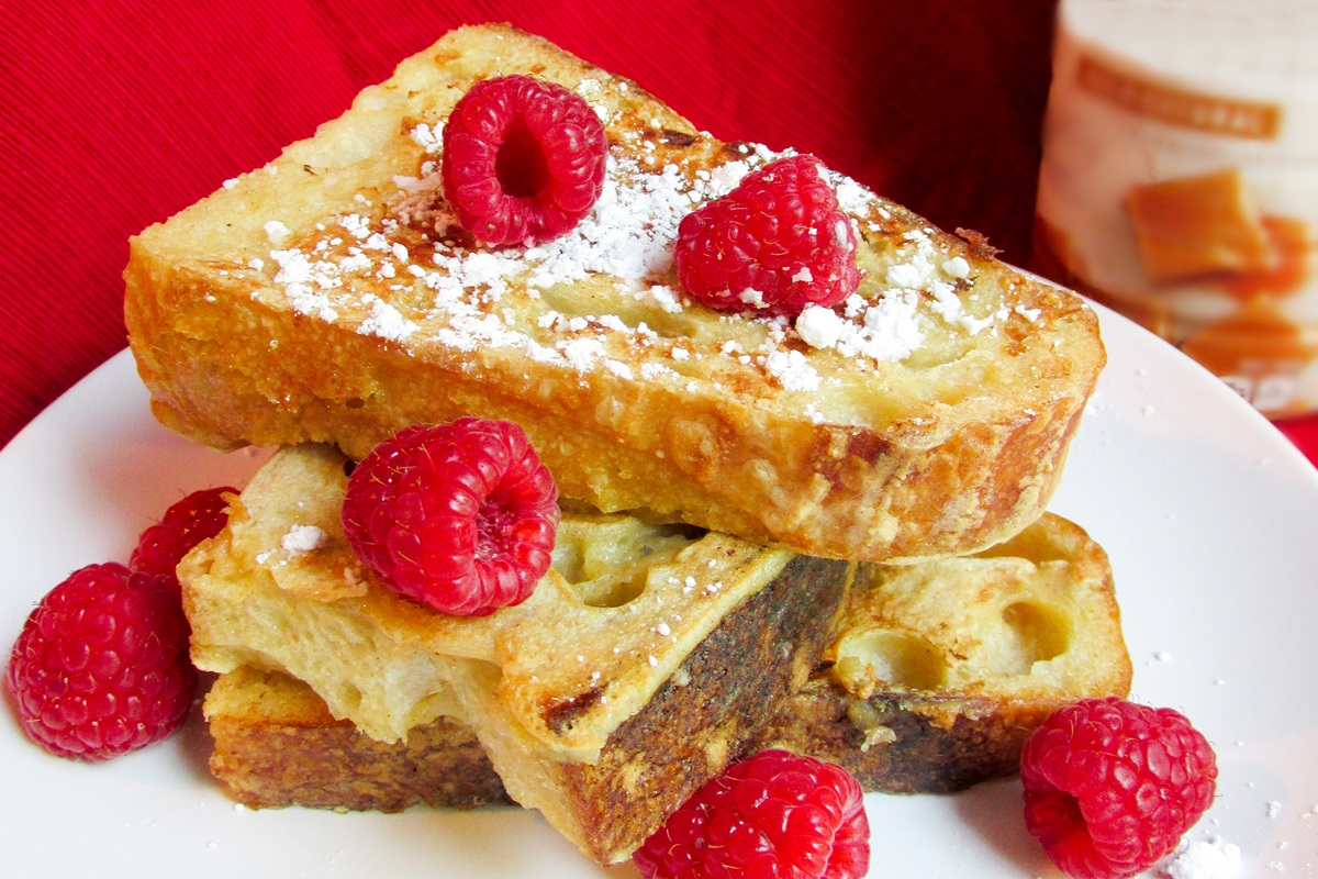 Easy Baked Dairy-Free French Toast Recipe with Maple Syrup (gluten-free optional)
