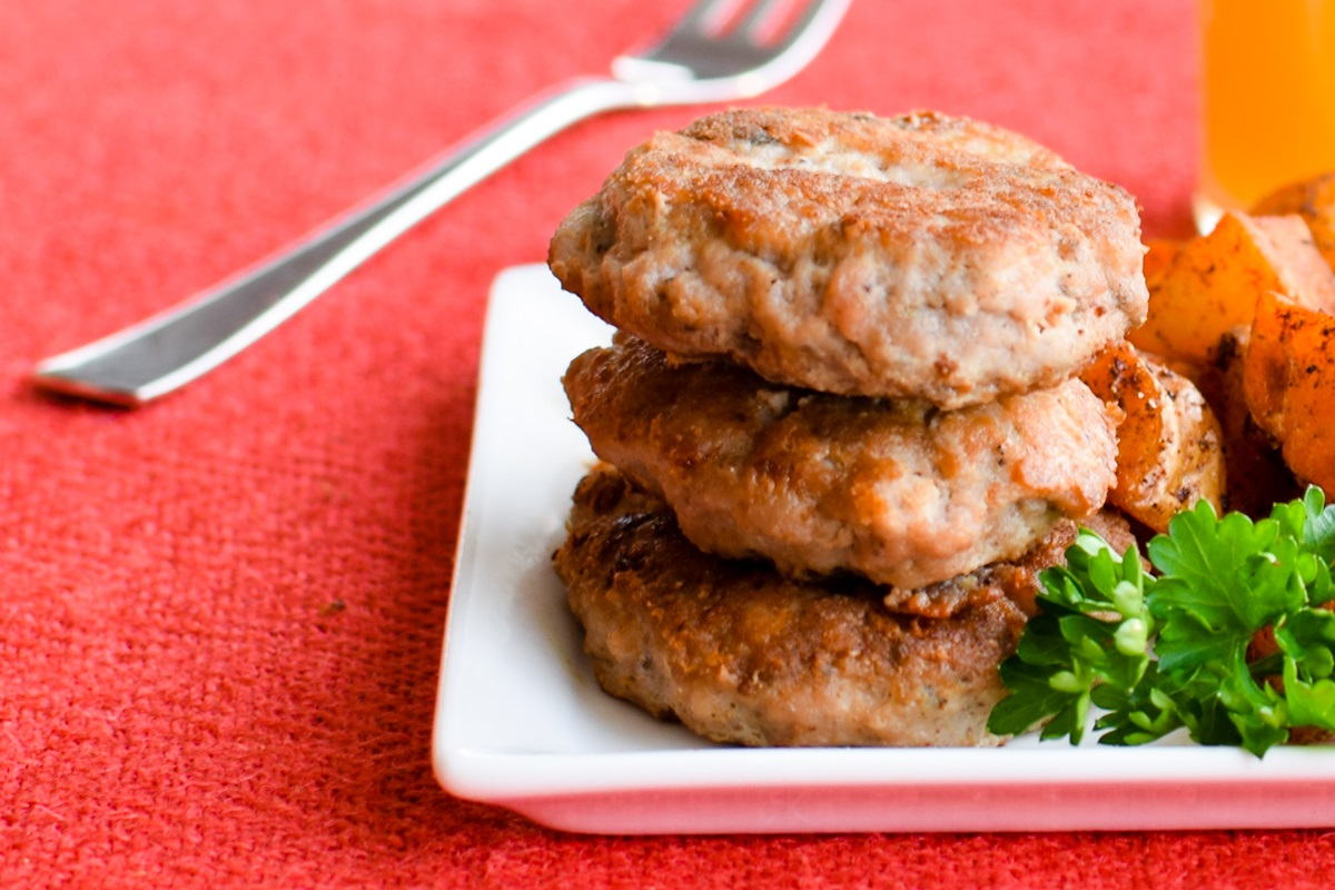 Basic Chicken Breakfast Sausage Patties Recipe - an easy homemade fix that's versatile and allergy-friendly. Can sub turkey.