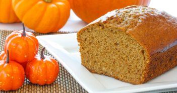 Vegan Oil-Free Pumpkin Bread Recipe with Flaxseed
