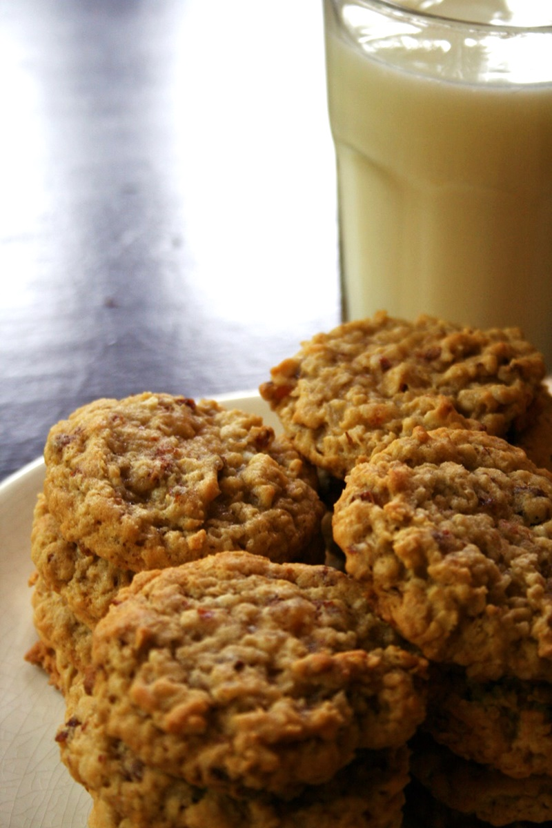 Con Cookies Recipe - A dairy-free favorite for conventions, when everyone needs energy on the go!