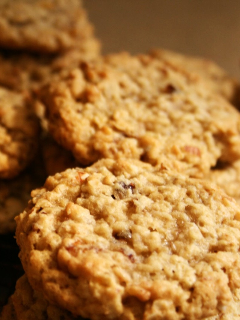 Oatmeal Energy Cookies Recipe - A dairy-free favorite for conventions, when everyone needs energy on the go!