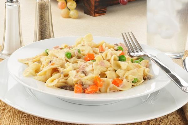 Easy Dairy-Free Tuna Noodle Un-Casserole Recipe