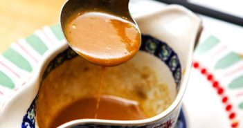 Vegan Brown Gravy Recipe that's also Fat-Free and optionally Gluten-Free