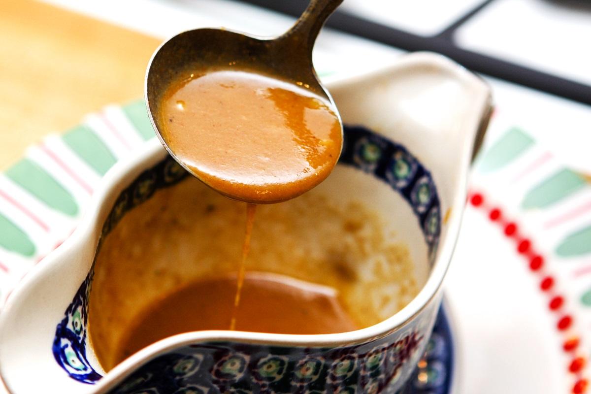 Vegan Brown Gravy Recipe that's also Fat-Free and optionally Gluten-Free
