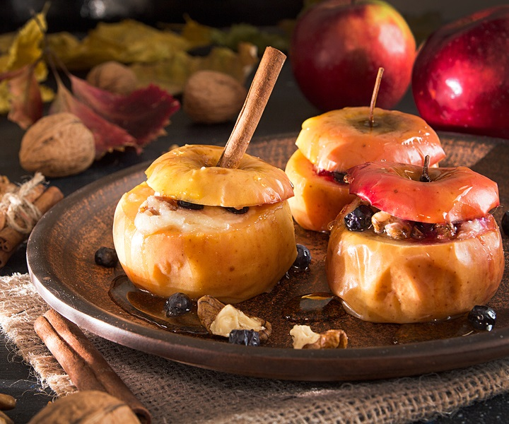 Vegan Baked Apples Recipe Healthy Stuffed Sweet In Maple Spice Sauce