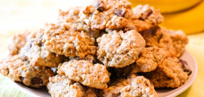 Chunky Monkey Cookies with Banana, Oats, and Dairy-Free Chocolate