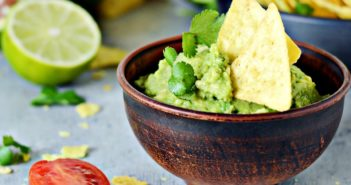 The Simple Guacamole Recipe that Everyone Needs