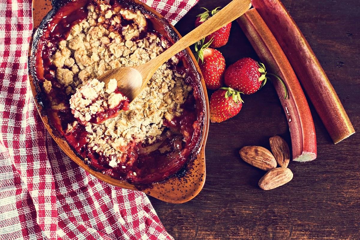 Rhubarb Strawberry Apple Crisp Recipe (dairy-free and vegan)