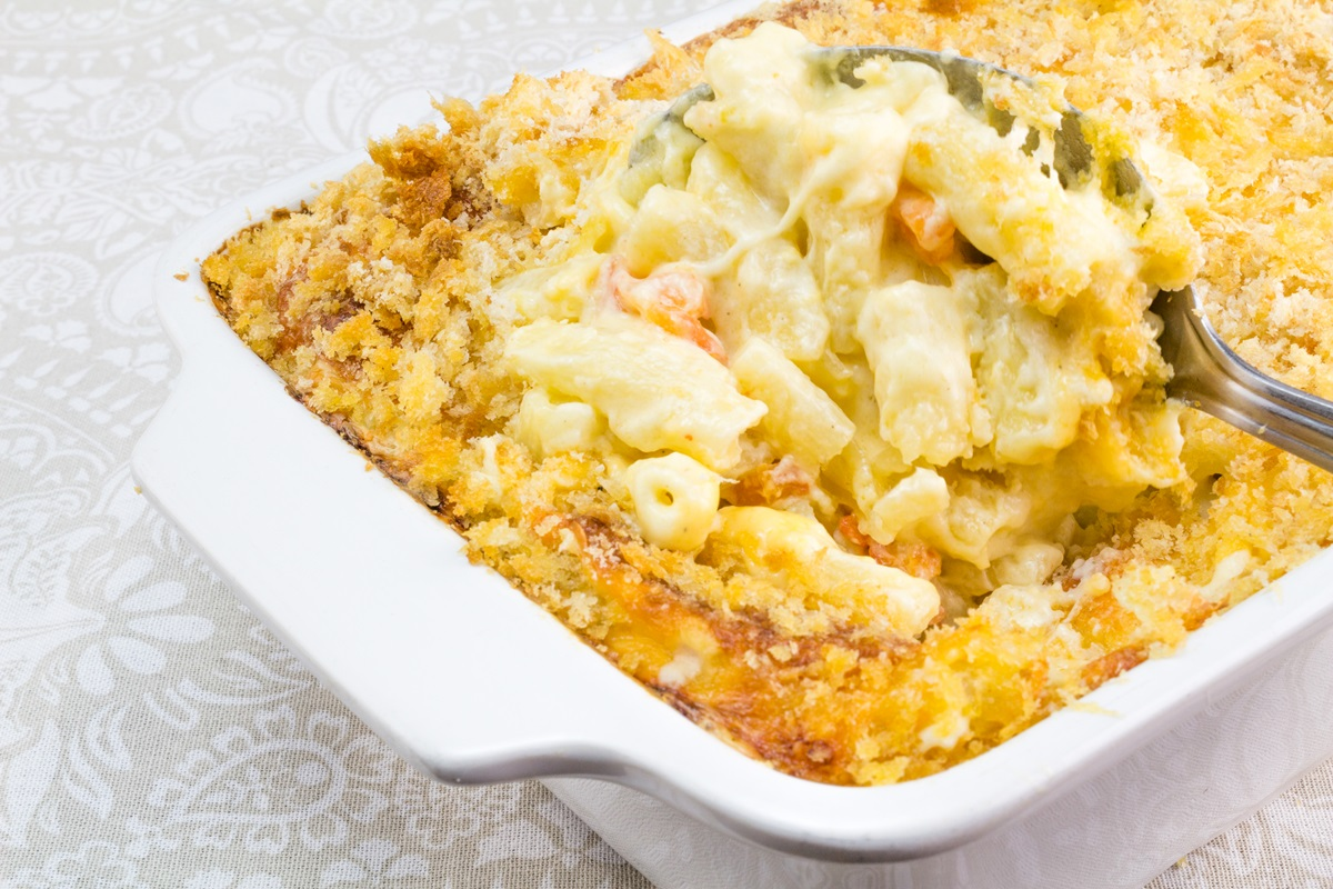 Vegan Macaroni and Uncheese Casserole Recipe (gluten-free option)