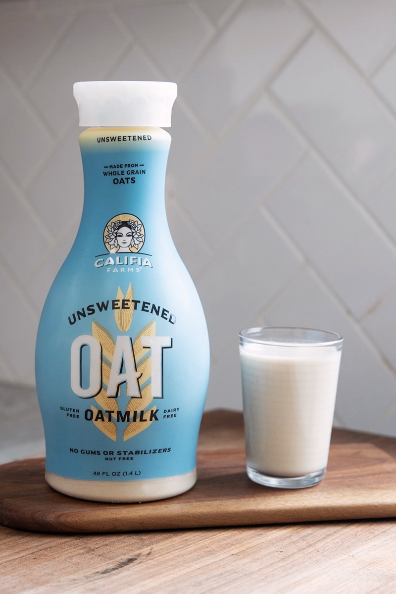 Califia Farms Oatmilk Reviews and Info - Their stripped down, basic, dairy-free, gluten-free, and gum-free beverage