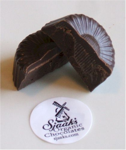 Sjaak's Chocolate Bites (Review) - dairy-free, vegan, organic, fairtrade chocolate bites in dark and milk varieties