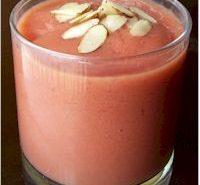 Pomegranate Mango Smoothie