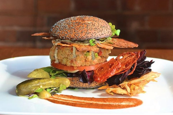 Live Food Bar In Toronto Is A Raw Vegan Restaurant