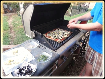 How to Make Grilled Pizza + a Vegan Grilled Pizza Recipe