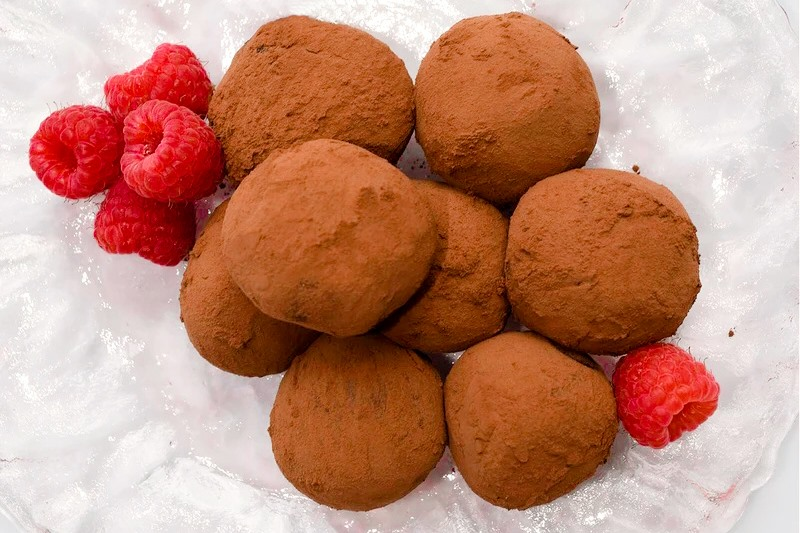 Rockin' Raspberry Vegan Truffles are Chocolate-Covered Decadence - An allergy-friendly, dairy-free, soy-free, and nut-free recipe