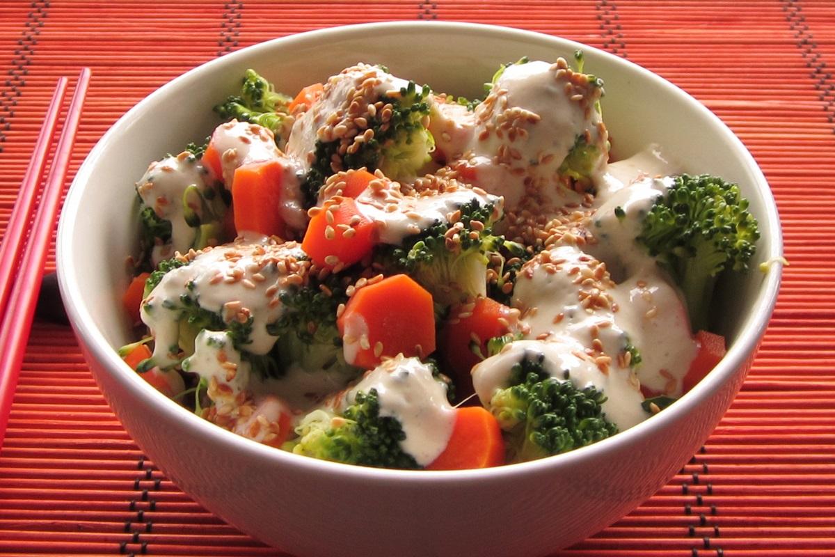 Creamy, low-fat sesame ginger salad dressing recipe