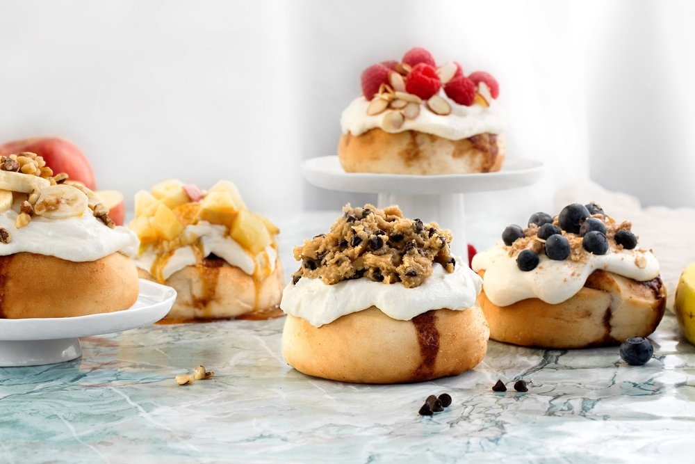 Cinnaholic is an all-vegan cinnamon roll bakery with tons of flavors and locations across the U.S. and Canada #cinnamonrolls #vegancinnamonrolls