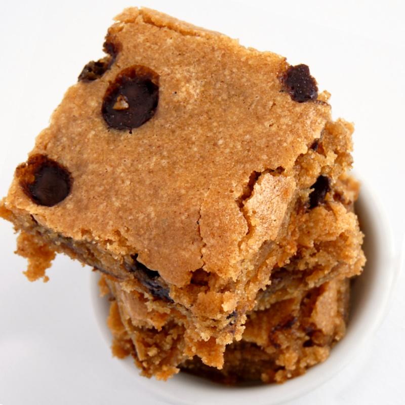 Almond Butter Blondies Recipe - a definitely touchdown for Team Blondie! Unbelievably gluten-free and vegan.