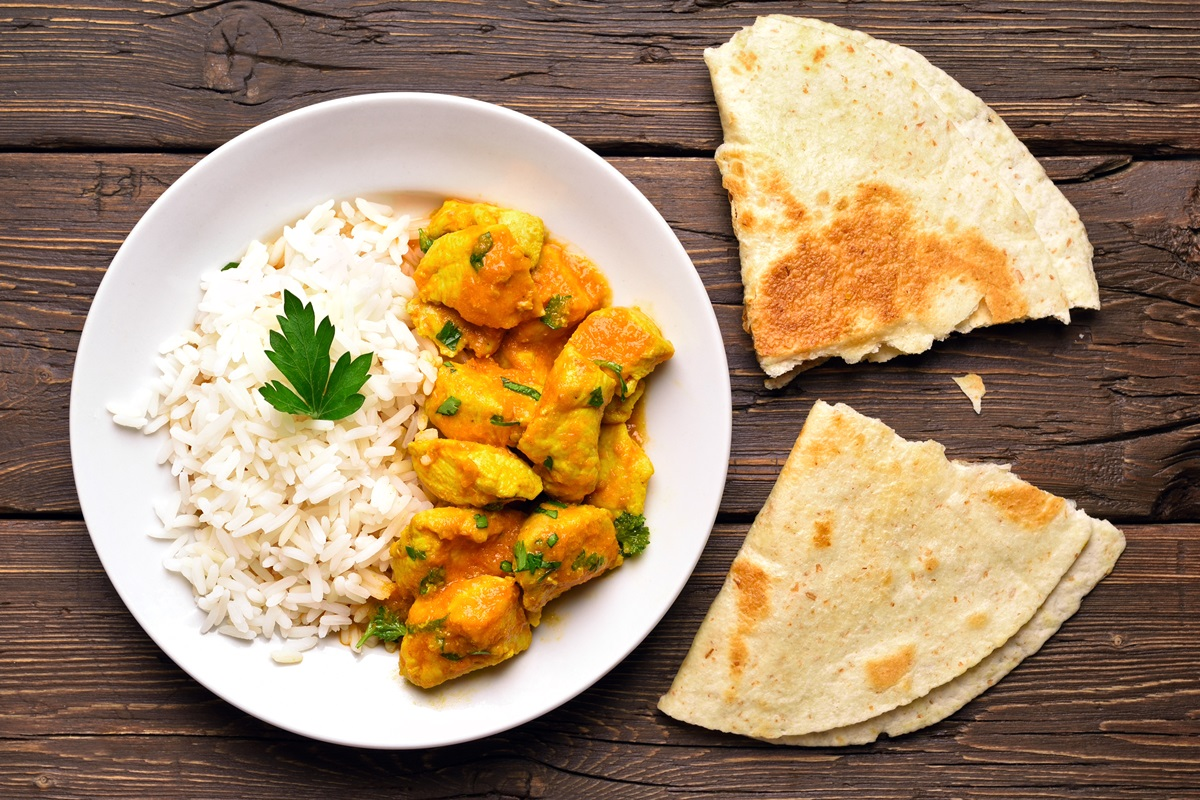 Mom's Easy Curry Chicken Recipe - dairy-free, allergy-friendly, and kid-approved for a weeknight dinner #currychicken #dairyfreedinner #weeknightmeal