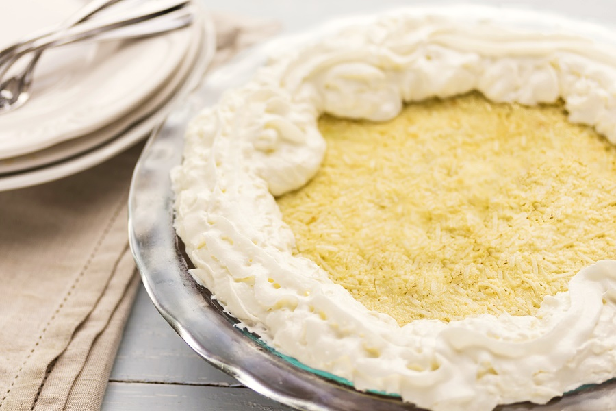 Easy Coconut Cream Pie Recipe (Naturally Dairy-Free!)