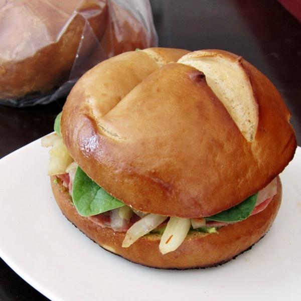 Rudi's Organic Bakery Rolls - Pretzel