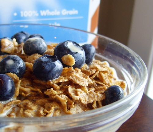 Healthy Breakfast: Uncle Sam Dairy-Free Cereal with Bananas