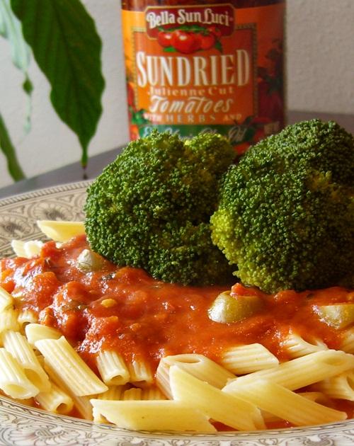 Ten-Minute Sun-Dried Tomato Pasta - Vegan, Vegetarian, optionally Gluten-Free