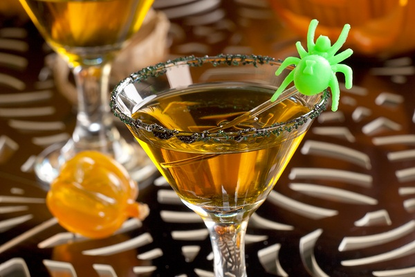 Dairy-Free Halloween Recipes: Cocktails and Kid-Friendly Drinks