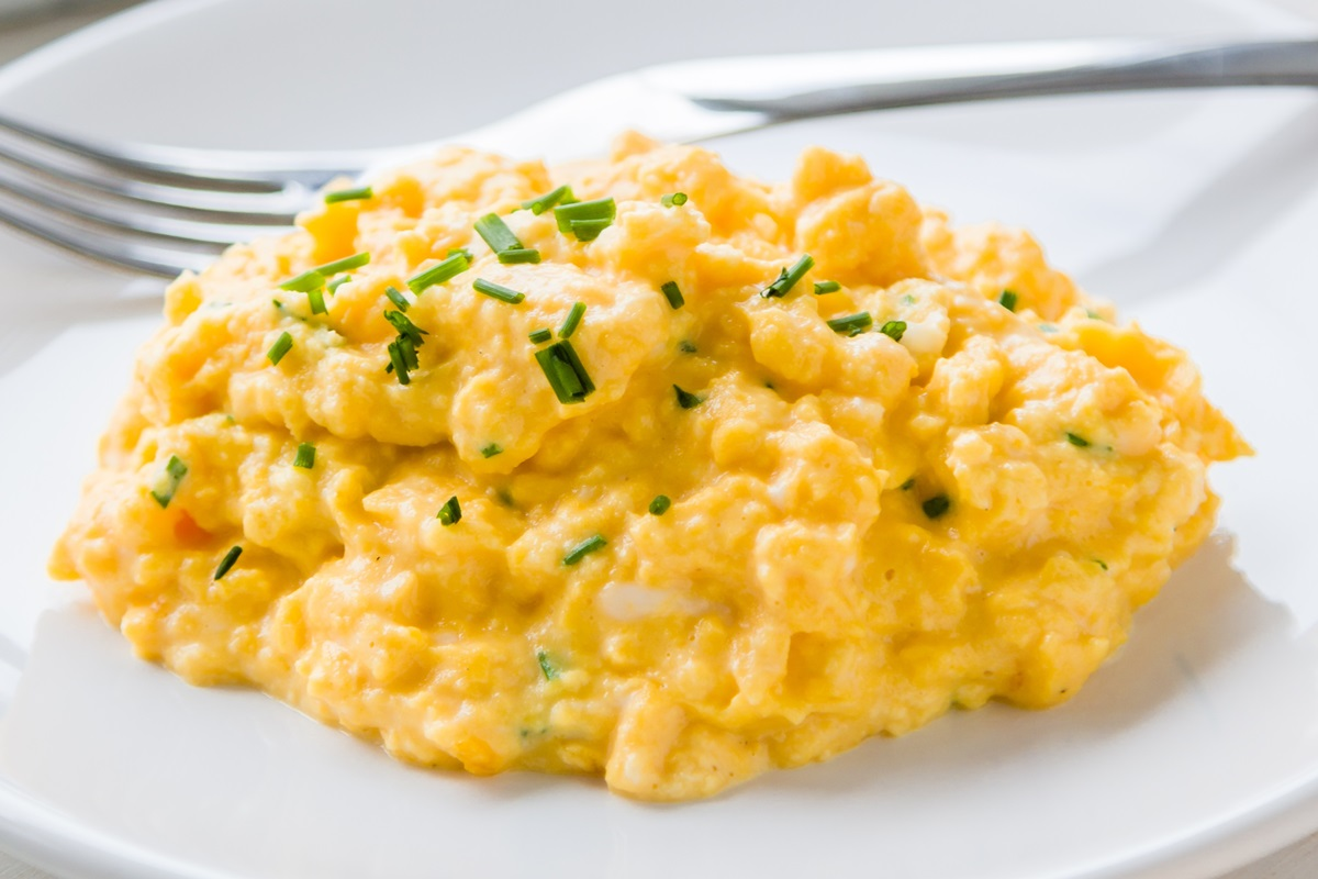 Perfect Creamy Dairy-Free Scrambled Eggs Recipe