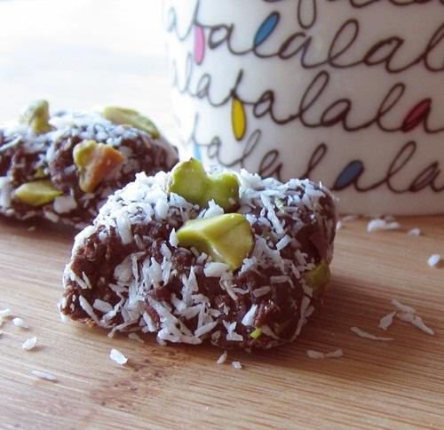 Healthy Mocha Fudge Energy Bites Recipe