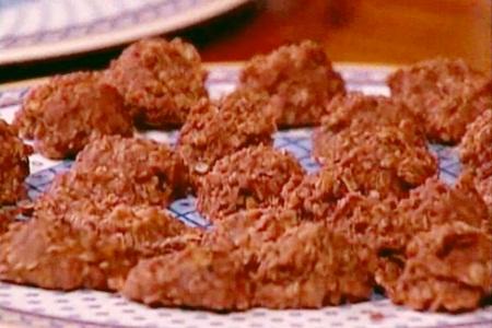 No Bake Chocolate Peanut Butter Oatmeal Cookies Recipe - Dairy-Free