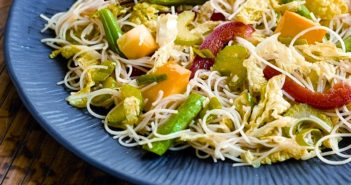 Easy, Flavorful Vegetable Stir Fry with Rice Noodles - a fabulous vegan recipe! Gluten-free optional