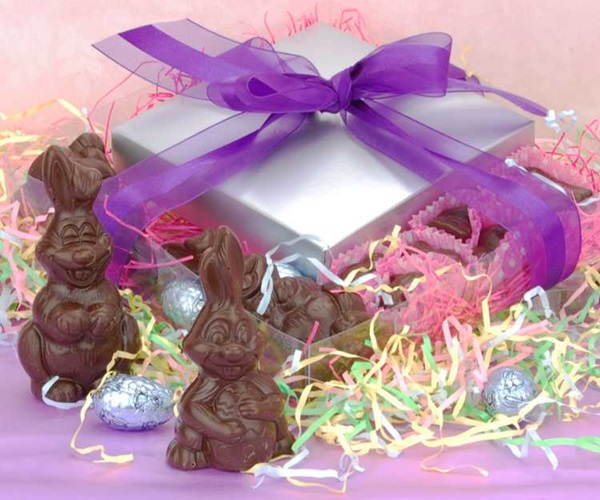 The dairy free chocolate easter bunny and more round up vegan gluten free and dairy free chocolate easter bunny or bunnies negle Images
