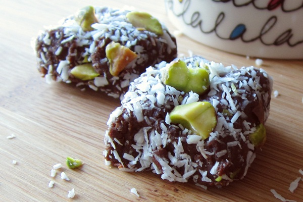 Healthy Work Snacks - Vegan Mocha Snack Bites