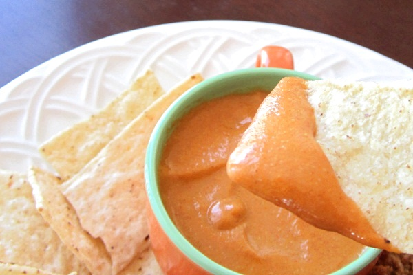 Vegan Tomato Queso Dip Recipe