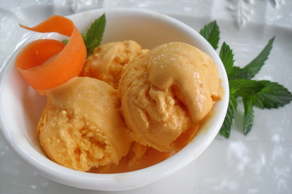 Dairy-Free Carrot Cake Ice Cream