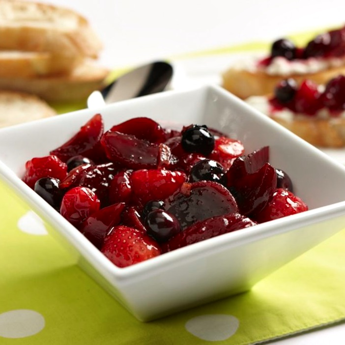 Dairy-Free Thanksgiving Recipes: Mains, Sides and Desserts! (pictured: unbeetable berry chutney)