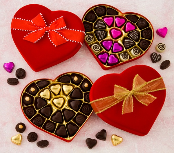 Guide to the Best Dairy-Free Valentine Chocolate: Over 20 Chocolatiers with Vegan, Gluten-Free, Food Allergy-Friendly, Organic, Fair Trade and more! Pictured: Mama Ganache