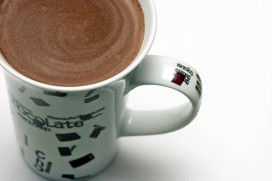 crockpot hot chocolate - feature