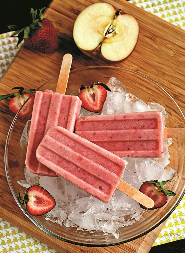 Dairy-Free Strawberry Smoothie Pops - a simple healthier treat for hot summer days! Naturally vegan & gluten-free, too.
