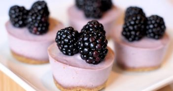 Vegan Recipes: Berry Cheesecakes