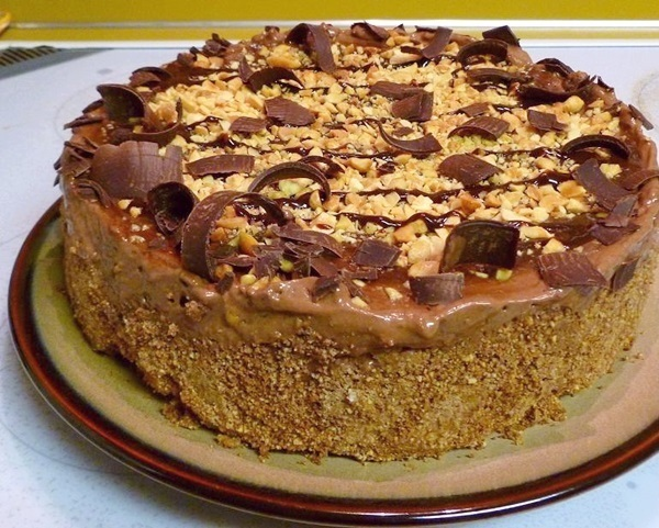 Chocolate Peanut Butter Swirl Mousse Pie