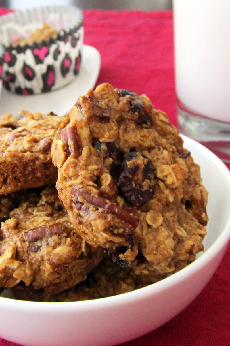 Healthy Oatmeal Breakfast Cookies - dairy-free, gluten-free, vegan and made in a muffin tin!