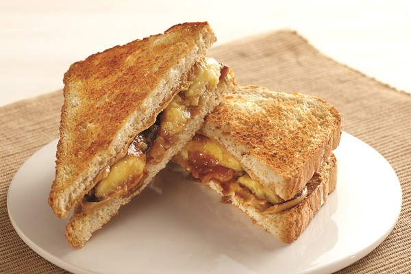 Peanut Butter and Bananas Foster Sandwich Recipe