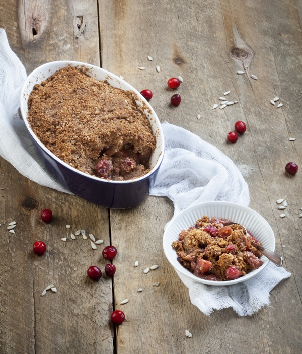 Naturally Sweet and Gluten Free Cookbook: Allergy-Friendly Vegan Desserts - Autumn Fruit Crumble