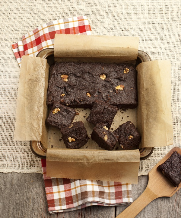 Naturally Sweet and Gluten Free Cookbook: Allergy-Friendly Vegan Desserts - Ultra Fudgy Brownies