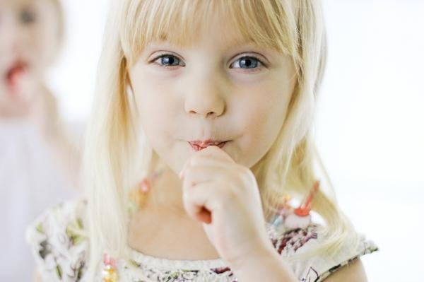 YumEarth Organic Lollipops Girl