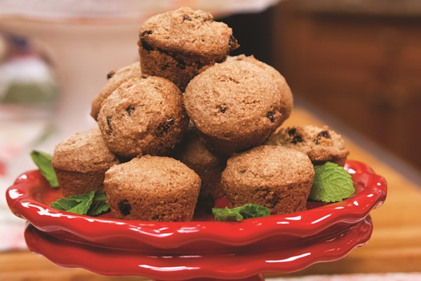 Super-Easy Cinnamon Maple Mini Muffins Recipe