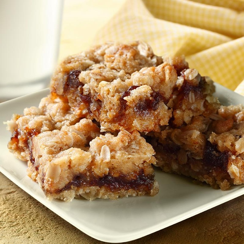 Amazing Apple Butter Bars Recipe with just 6 ingredients! Perfect for the holiday baking or a lunchbox reward. Dairy-free, vegan, gluten-free optional.