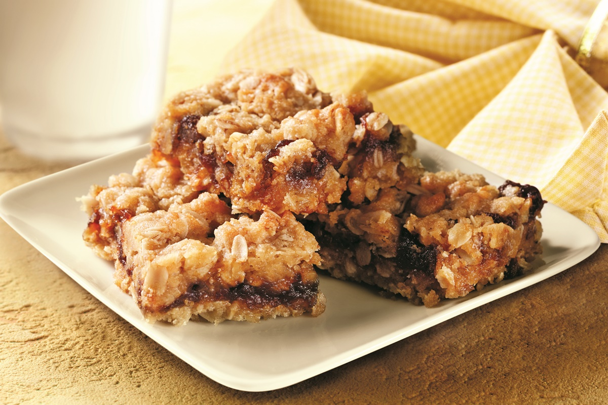 Easy Oatmeal Apple Butter Bars Recipe - dairy-free, vegan, optionally gluten-free!